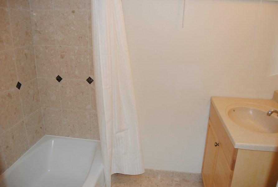 Real Estate Photography - 111 Banbury Way, Wayne, PA, 19087 - Bathroom
