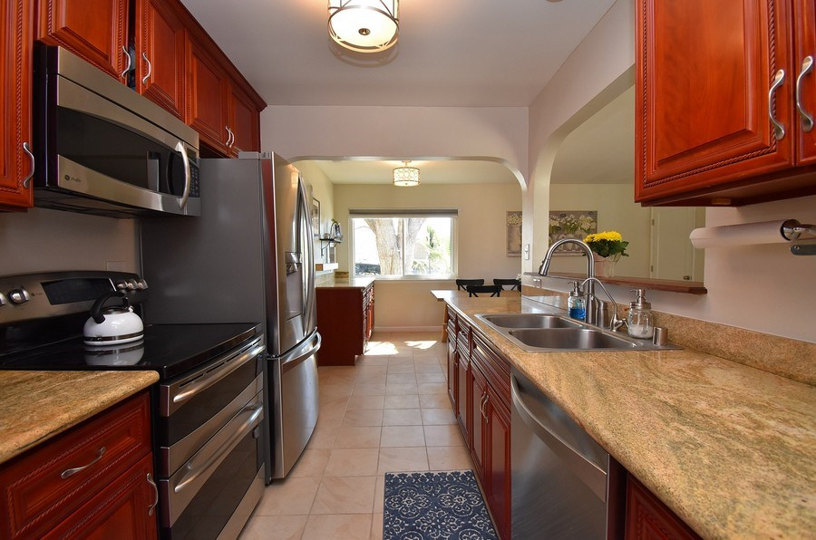 Real Estate Photography - 2988 Kennedy St, Livermore, CA, 94551 - Kitchen