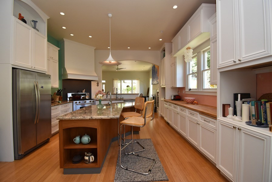 Real Estate Photography - 732 Virginia St, Vallejo, CA, 94590 - Kitchen