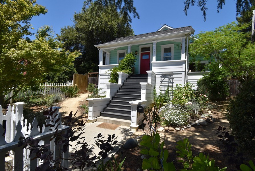 Real Estate Photography - 732 Virginia St, Vallejo, CA, 94590 - Front View