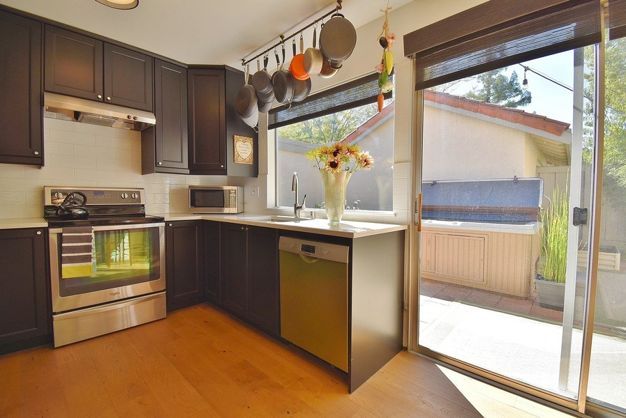 Real Estate Photography - 1666 Calle Santa Anna, Pleasanton, CA, 94566 - Kitchen
