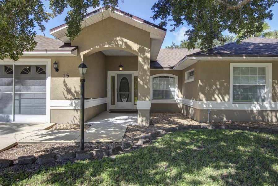 Real Estate Photography - 15 Coral Reef Court N, Palm Coast, FL, 32137 - Front View