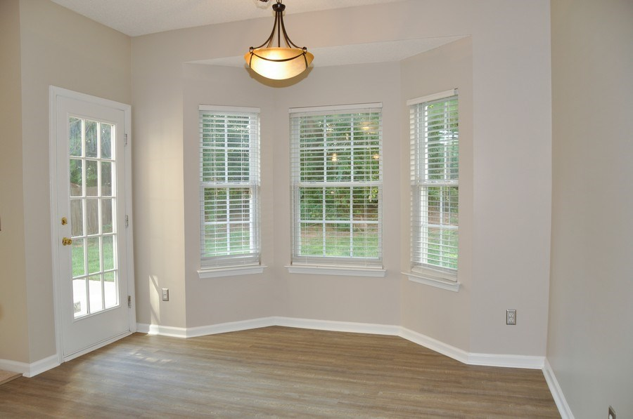 Real Estate Photography - 111 Rolling Stone Ct, Mooresville, NC, 28117 - Breakfast Room