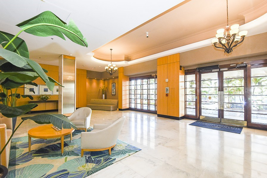 Real Estate Photography - 880 Mandalay Ave, Unit N104, Clearwater, FL, 33767 - Lobby