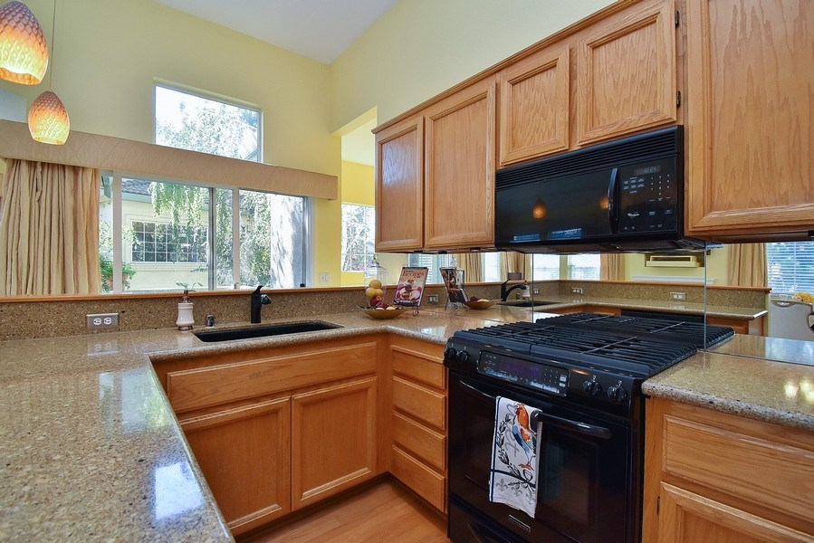 Real Estate Photography - 4143 Torino Ct, Pleasanton, CA, 94588 - Kitchen