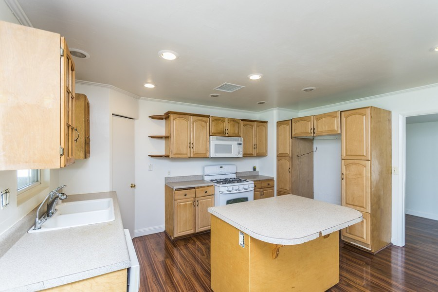 Real Estate Photography - 1725 N Concerto Dr, Anaheim, CA, 92807 - Kitchen