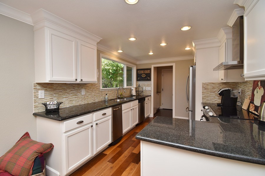 Real Estate Photography - 563 Rolling Hills Ln, Danville, CA, 94526 - Kitchen