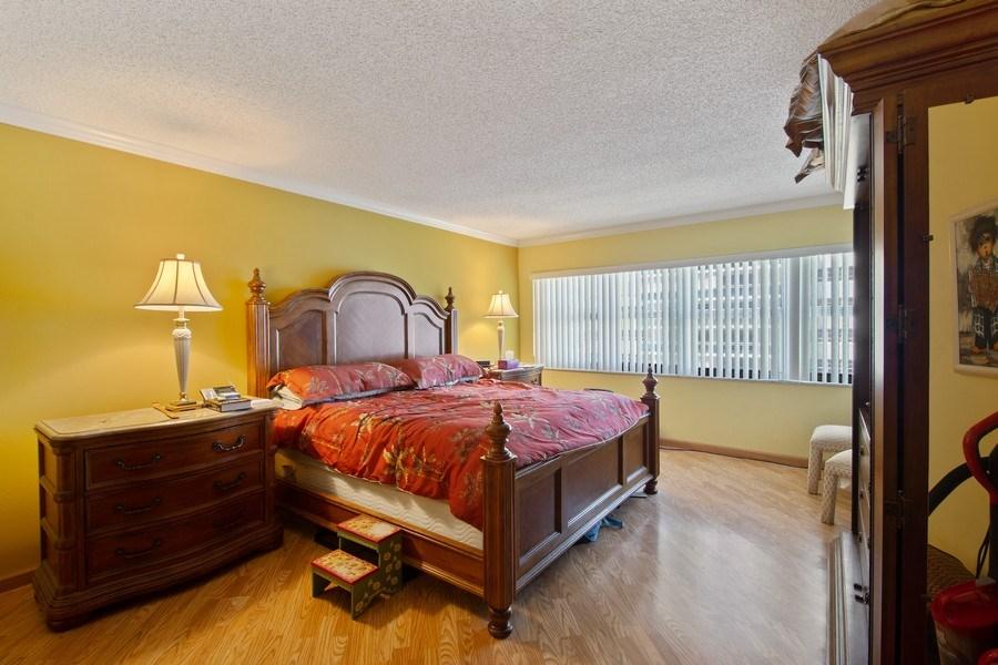 Real Estate Photography - 3410 Galt Ocean Dr, 1101, Ft Lauderdale, FL, 33308 - Master Bedroom