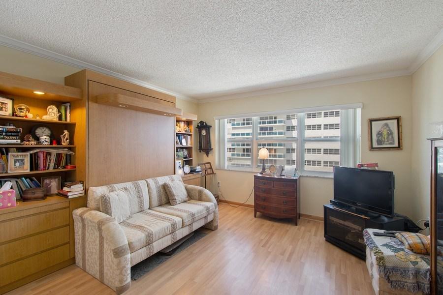 Real Estate Photography - 3410 Galt Ocean Dr, 1101, Ft Lauderdale, FL, 33308 - 2nd Bedroom