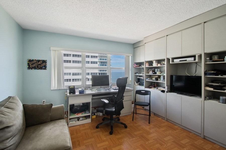 Real Estate Photography - 3410 Galt Ocean Dr, 1101, Ft Lauderdale, FL, 33308 - Office