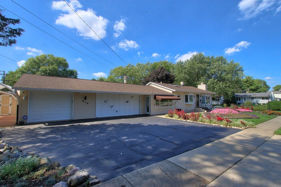 Real Estate Photography - 816 Sandra Ln., Cary, IL, 60013 - Front View
