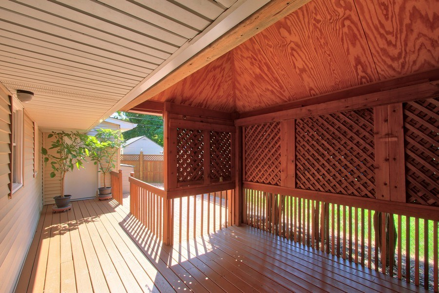 Real Estate Photography - 816 Sandra Ln., Cary, IL, 60013 - Deck