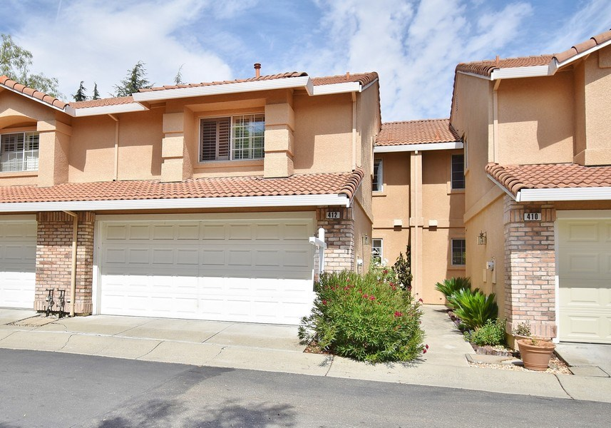 Real Estate Photography - 412 Camino Arroyo W, Danville, CA, 94506 - Front View