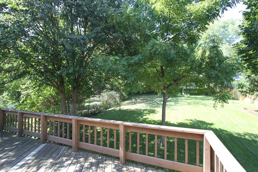 Real Estate Photography - 904 S Summit, Barrington, IL, 60010 - Deck