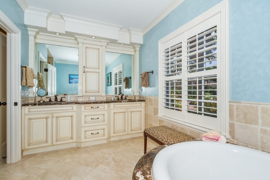 Real Estate Photography - 713 Pinecreek, Naples, FL, 34108 - Master Bathroom