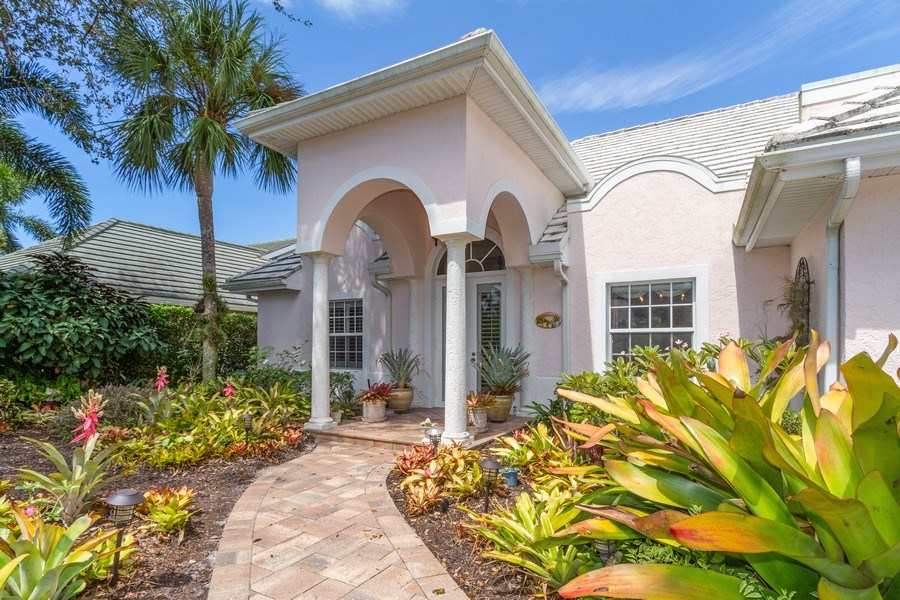 Real Estate Photography - 713 Pinecreek, Naples, FL, 34108 - Entryway