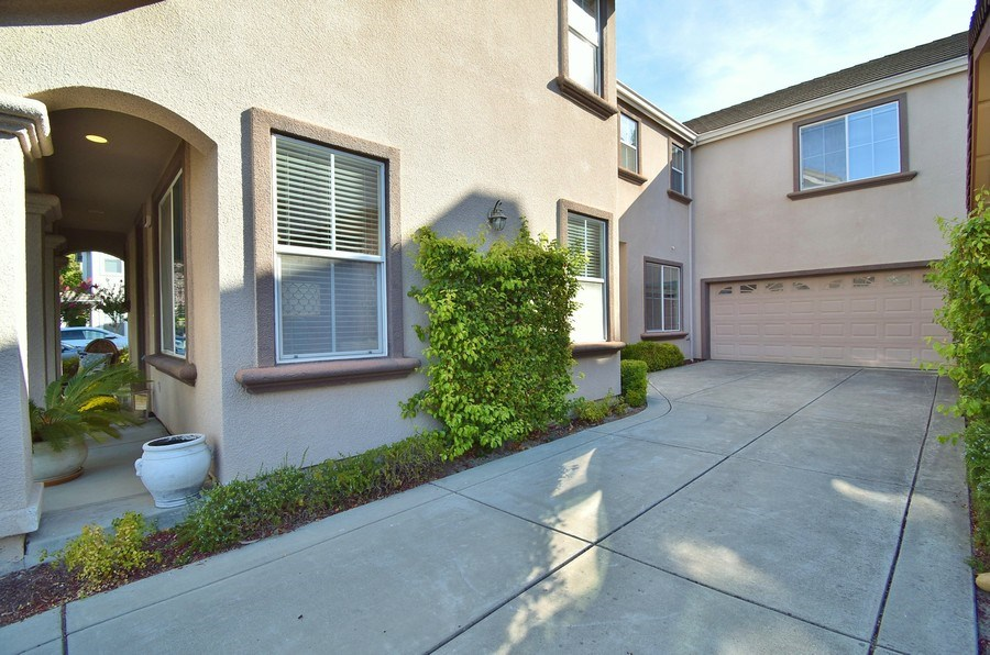 Real Estate Photography - 220 Abigail Cir, Danville, CA, 94506 - Front View