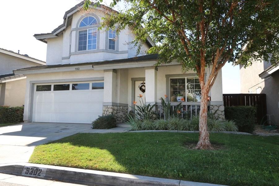 Real Estate Photography - 9302 Sierra Vista Cir, Pico Rivera, CA, 90660 - Front Yard