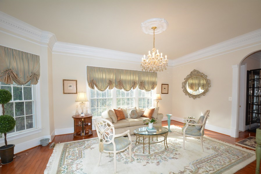 Real Estate Photography - 4200 Pineridge Dr, Annandale, VA, 22003 - Living Room