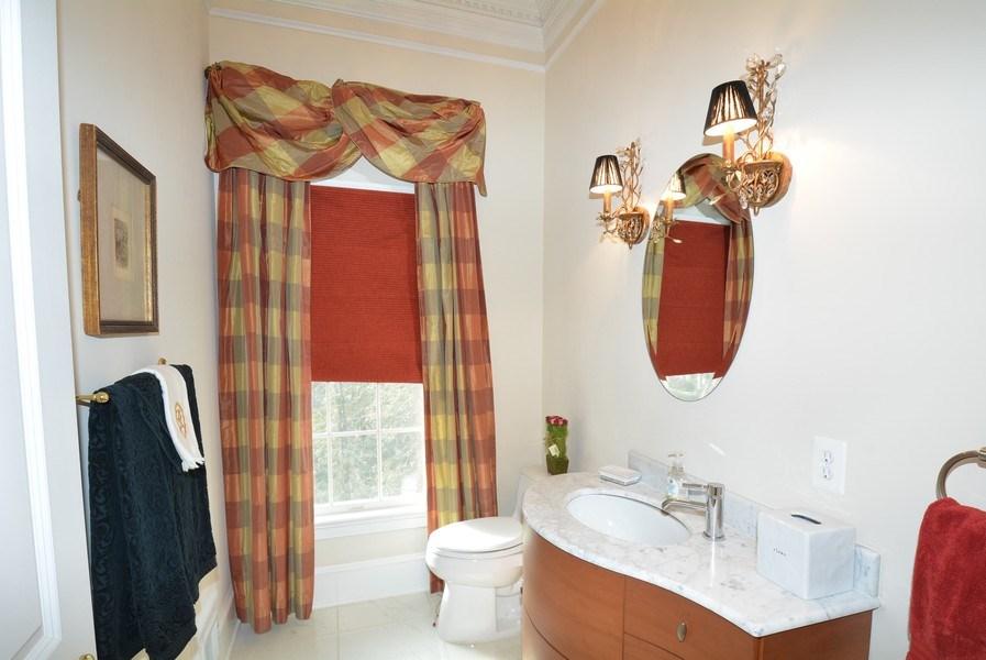 Real Estate Photography - 4200 Pineridge Dr, Annandale, VA, 22003 - Half Bath