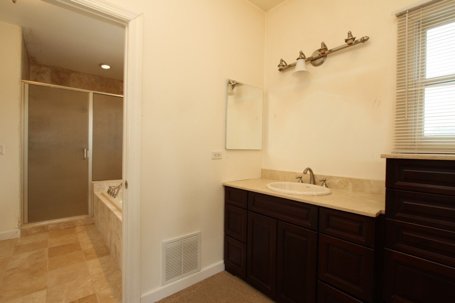 Real Estate Photography - 40645 Gridley Dr, Antioch, IL, 60002 - Master Bathroom