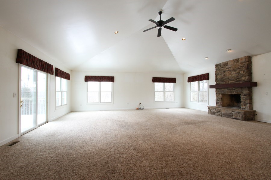 Real Estate Photography - 40645 Gridley Dr, Antioch, IL, 60002 - Great Room