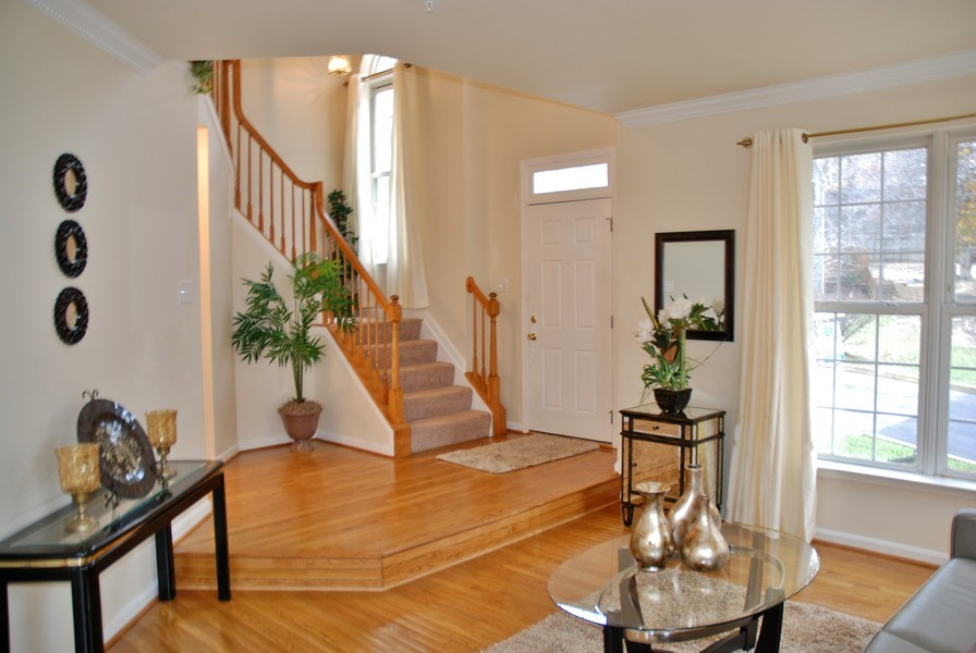 Real Estate Photography - 4825 Ellicott Woods Ln, Ellicott City, MD, 21043 - Entryway