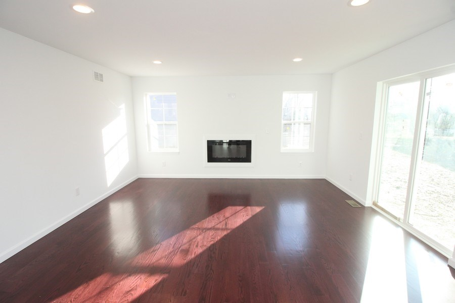 Real Estate Photography - 22541 albion, farmington hills, MI, 48336 - Living Room