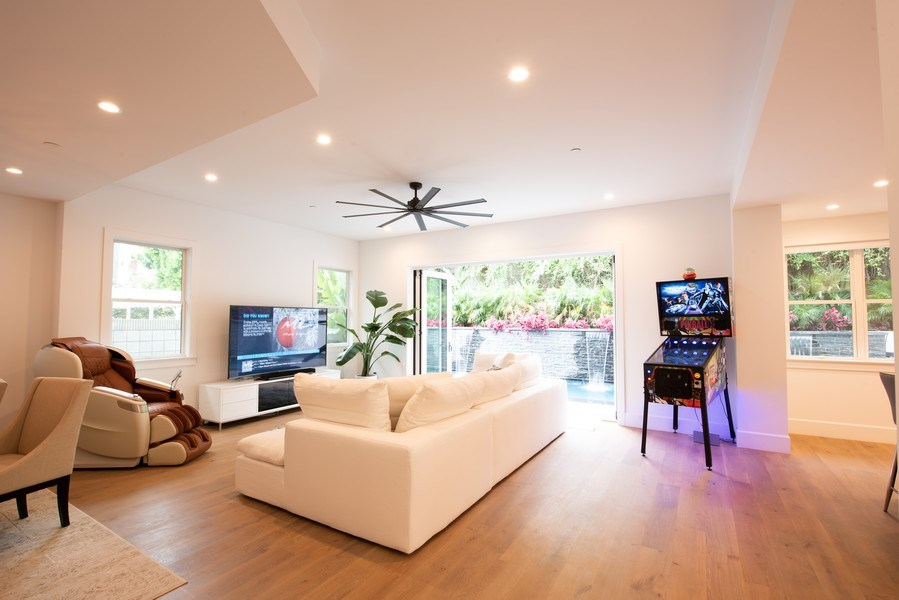 Real Estate Photography - 2109 N. Meadows, Manhattan Beach, CA, 90266 - Living Room