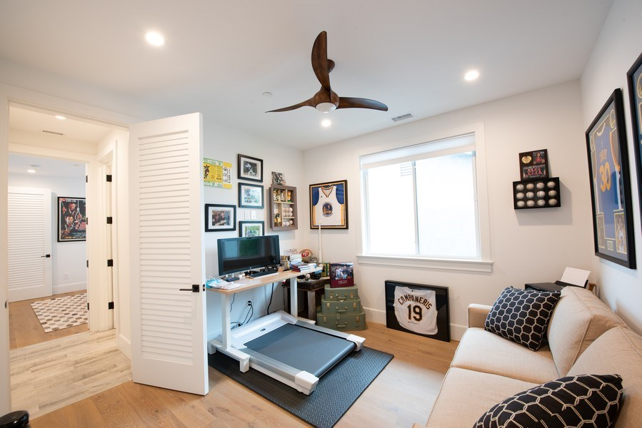 Real Estate Photography - 2109 N. Meadows, Manhattan Beach, CA, 90266 - Study