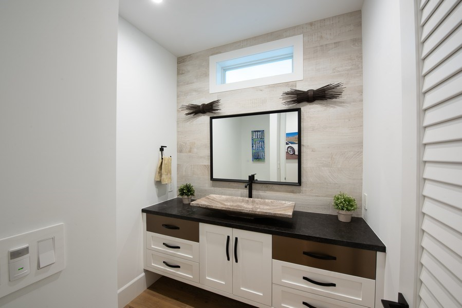 Real Estate Photography - 2109 N. Meadows, Manhattan Beach, CA, 90266 - Bathroom