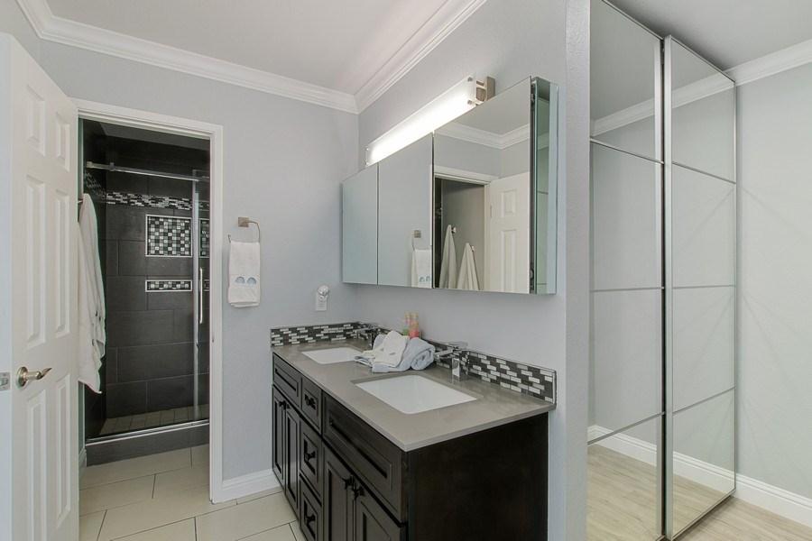 Real Estate Photography - 271 Rosewood Ct, Hayward, CA, 94544 - Master Bathroom