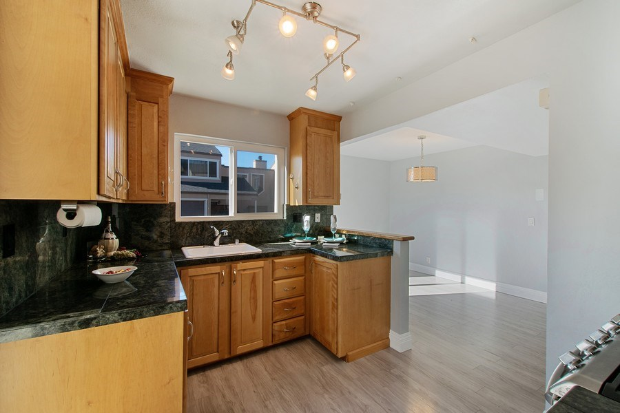 Real Estate Photography - 271 Rosewood Ct, Hayward, CA, 94544 - Kitchen