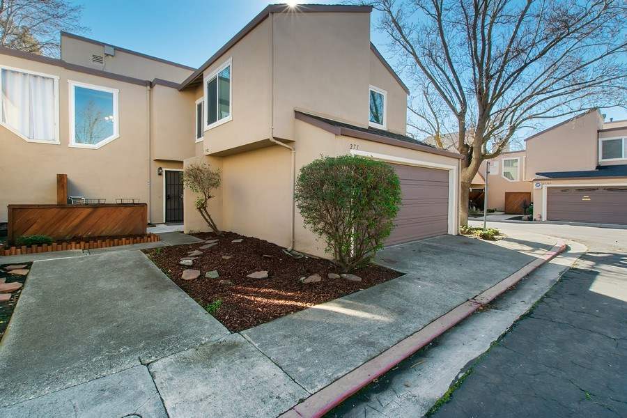 Real Estate Photography - 271 Rosewood Ct, Hayward, CA, 94544 - Front View
