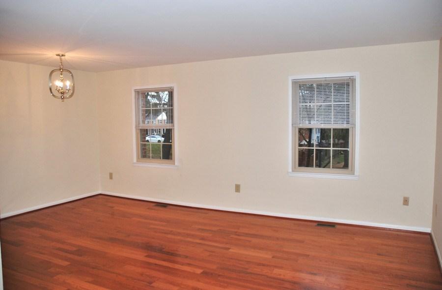 Real Estate Photography - 9 Midline Rd, Gaithersburg, MD, 20878 - Living Room