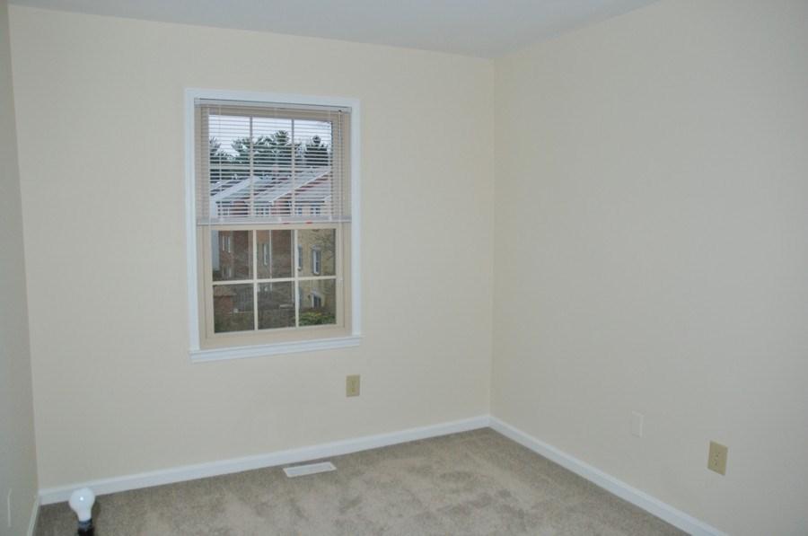 Real Estate Photography - 9 Midline Rd, Gaithersburg, MD, 20878 - Bedroom
