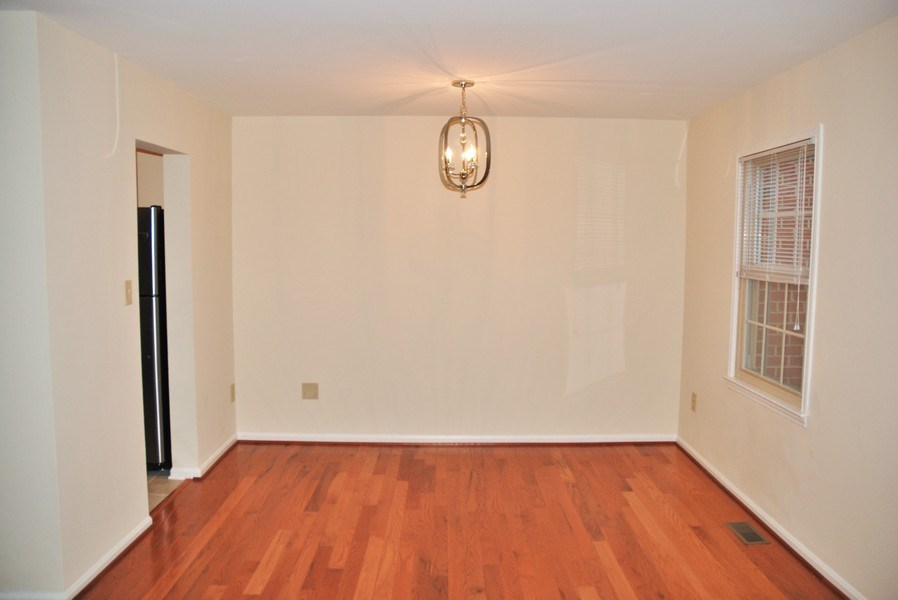 Real Estate Photography - 9 Midline Rd, Gaithersburg, MD, 20878 - Dining Room