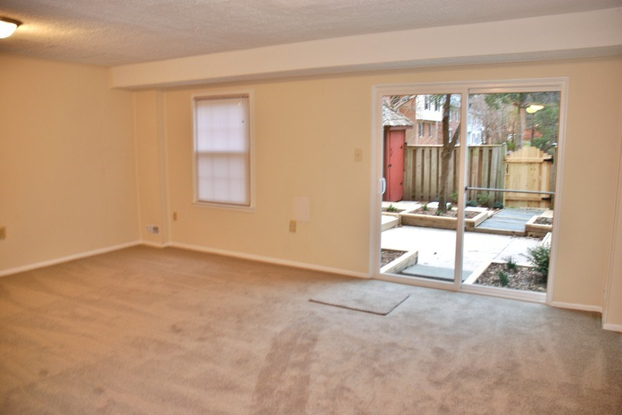 Real Estate Photography - 9 Midline Rd, Gaithersburg, MD, 20878 - Entertainment Room
