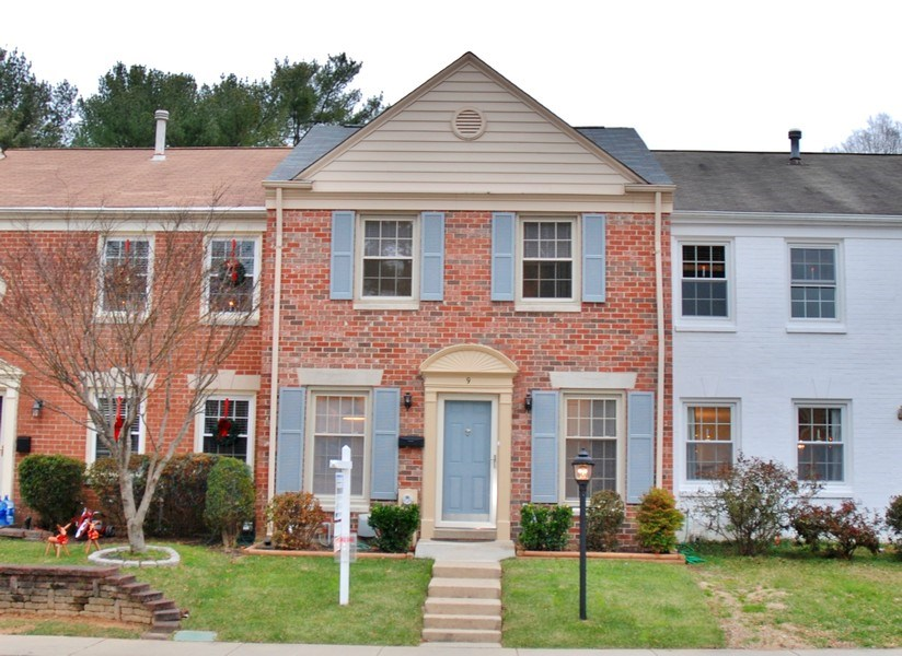 Real Estate Photography - 9 Midline Rd, Gaithersburg, MD, 20878 - Front View