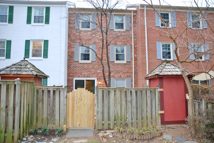 Real Estate Photography - 9 Midline Rd, Gaithersburg, MD, 20878 - Rear View