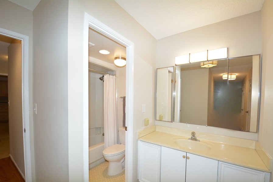 Real Estate Photography - 5904 Mount Eagle Dr, Unit 814, Alexandria, VA, 22303 - Master Bathroom