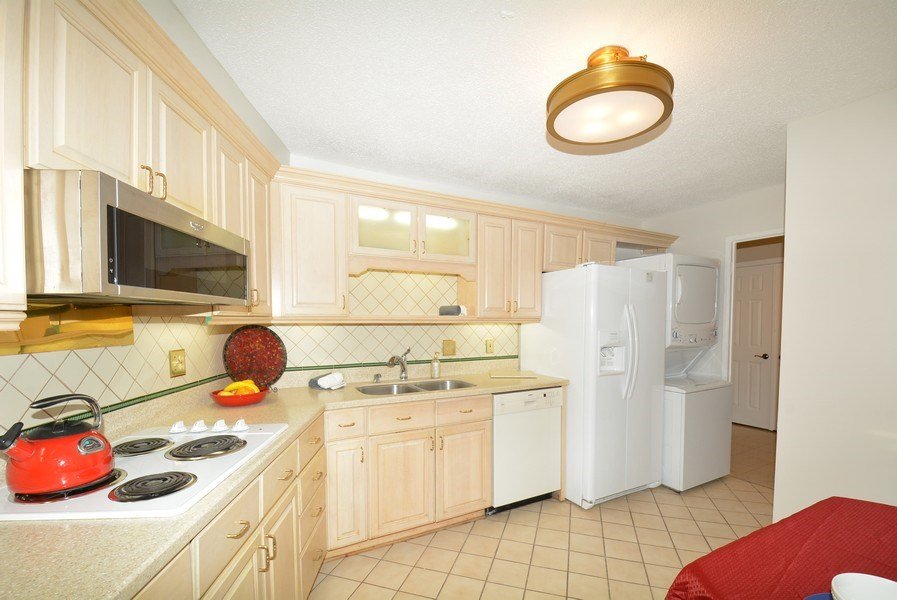 Real Estate Photography - 5904 Mount Eagle Dr, Unit 814, Alexandria, VA, 22303 - Kitchen