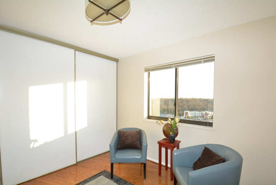 Real Estate Photography - 5904 Mount Eagle Dr, Unit 814, Alexandria, VA, 22303 - Study