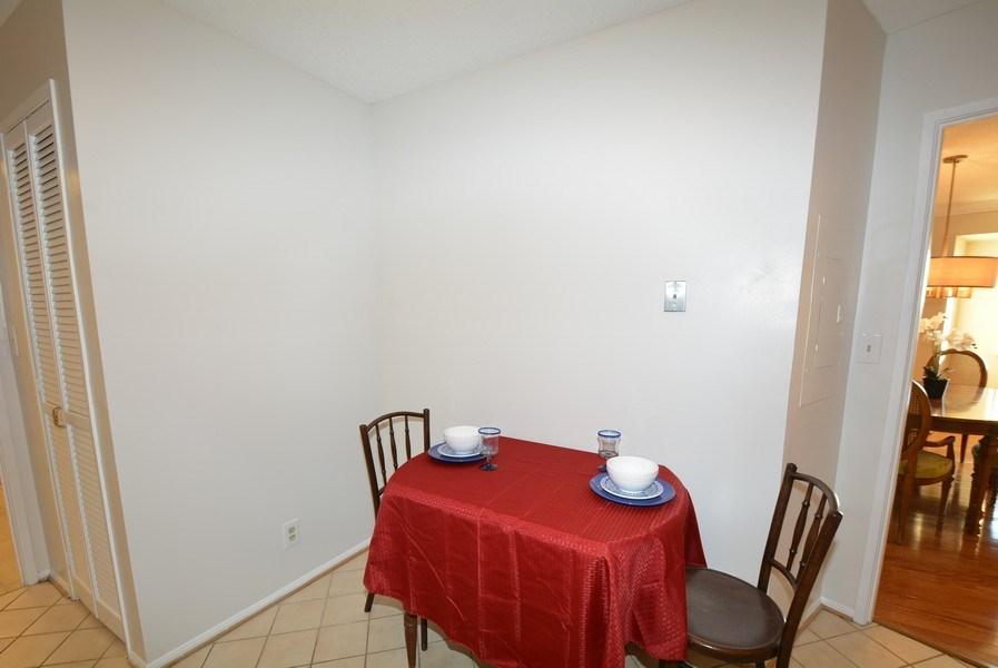 Real Estate Photography - 5904 Mount Eagle Dr, Unit 814, Alexandria, VA, 22303 - Breakfast Nook