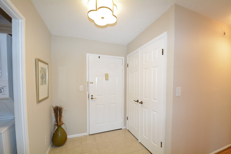 Real Estate Photography - 5904 Mount Eagle Dr, Unit 814, Alexandria, VA, 22303 - Entryway