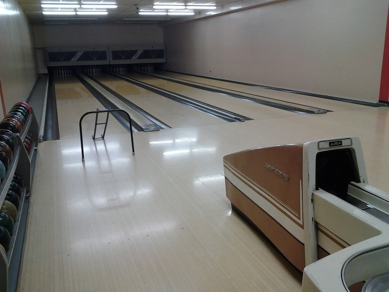 Real Estate Photography - 5904 Mount Eagle Dr, Unit 814, Alexandria, VA, 22303 - Bowling alley open to all plus 2 leagues