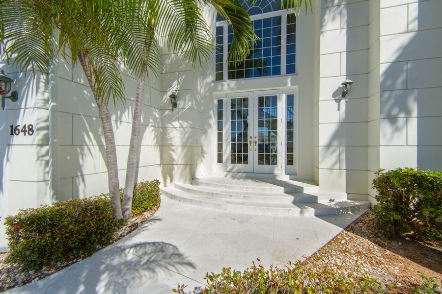 Real Estate Photography - 1648 Rainbow Ct, Marco Island, FL, 34145 - Entryway