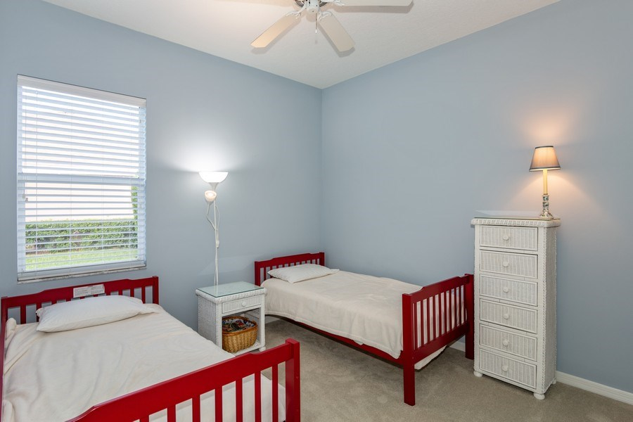 Real Estate Photography - 5407 Burnt Hickory Dr, Valrico, FL, 33596 - 2nd Bedroom