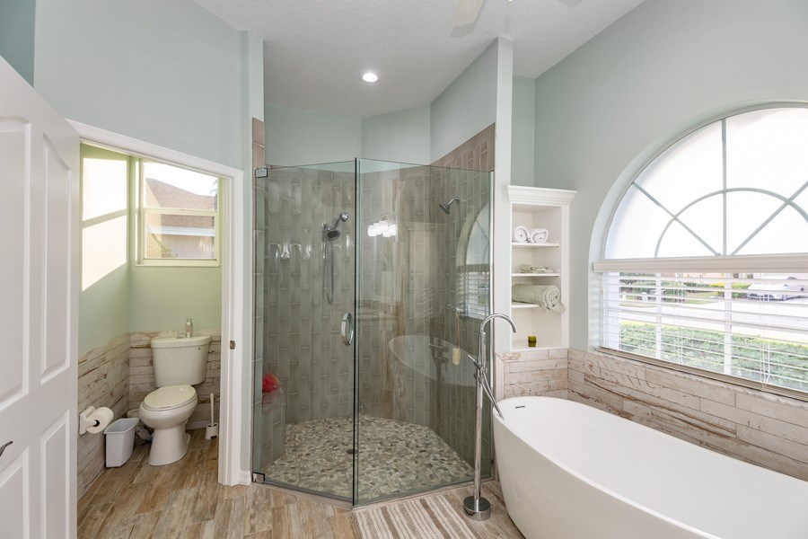 Real Estate Photography - 5407 Burnt Hickory Dr, Valrico, FL, 33596 - Master Bathroom