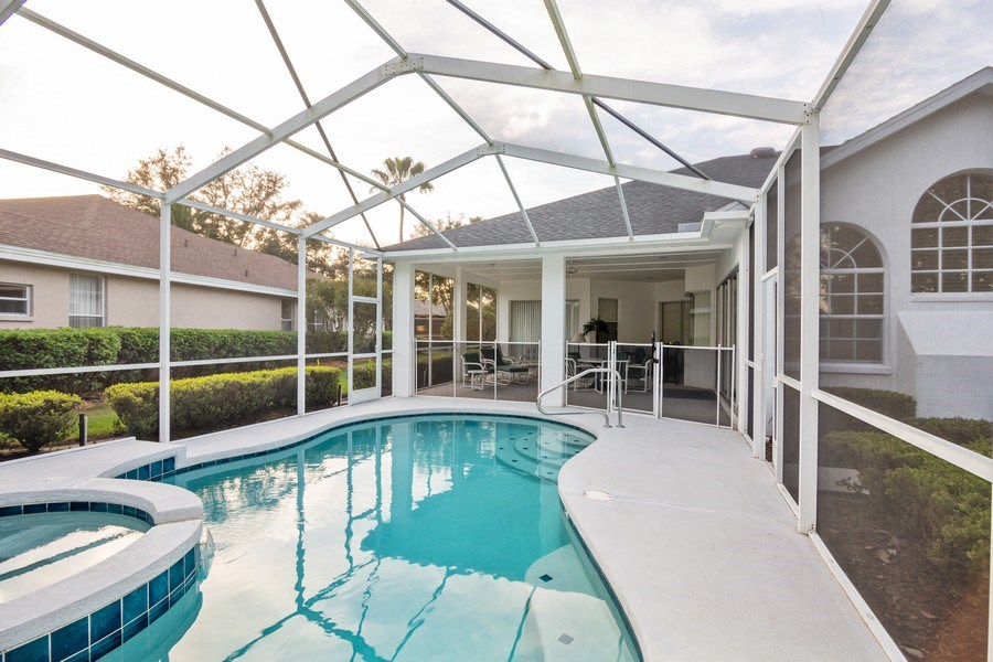 Real Estate Photography - 5407 Burnt Hickory Dr, Valrico, FL, 33596 - Pool
